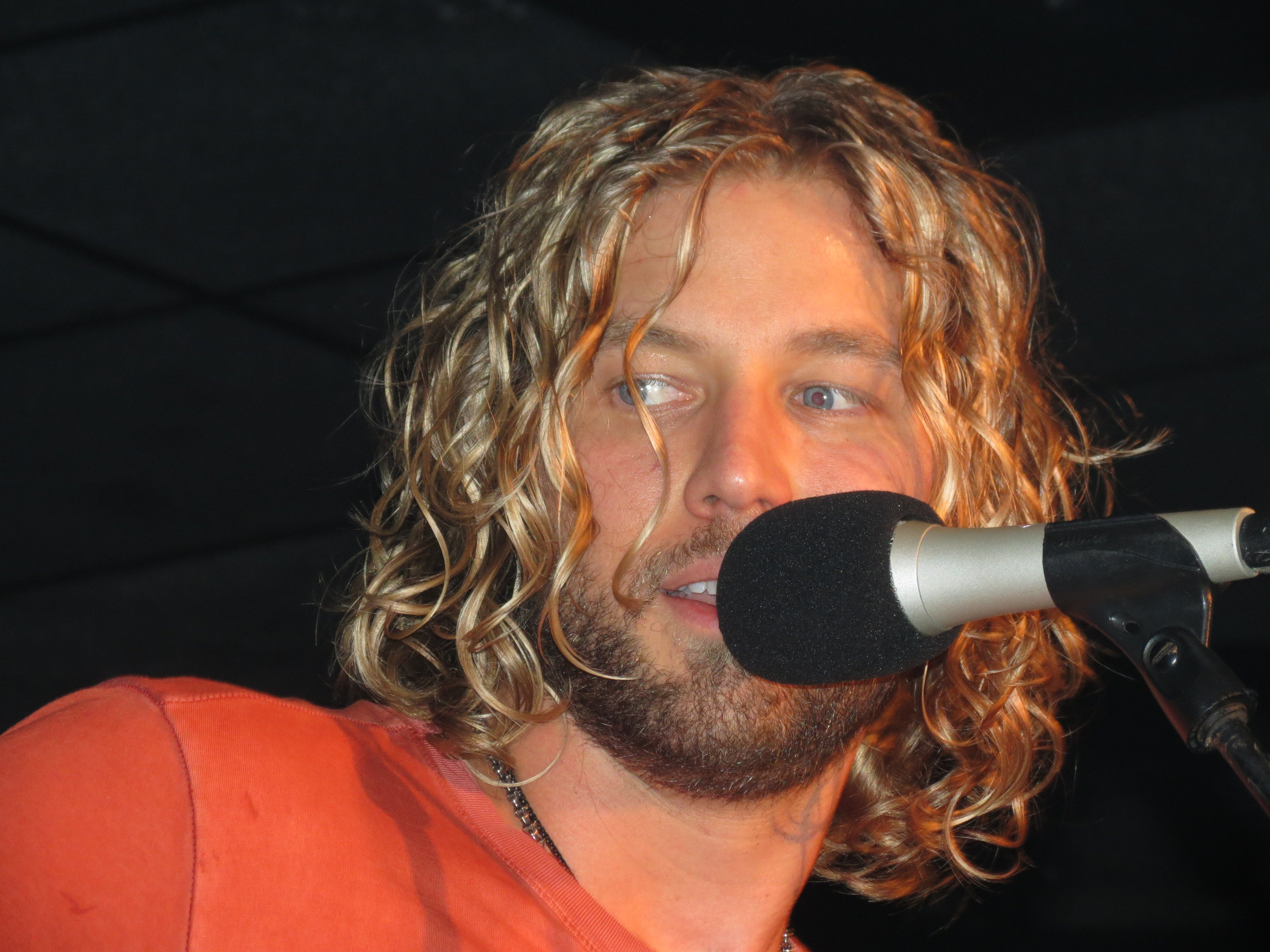 Casey james returns to american idol south florida country music photo by mike carroll thecheapjerseys Image collections